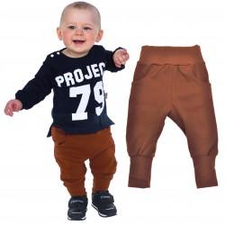 Brązowe spodnie chłopięce rozmiary od 62 do 110 wiosna jesień