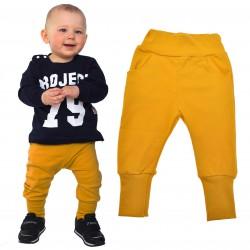Musztardowe spodnie chłopięce rozmiary od 62 do 146 wiosna jesień