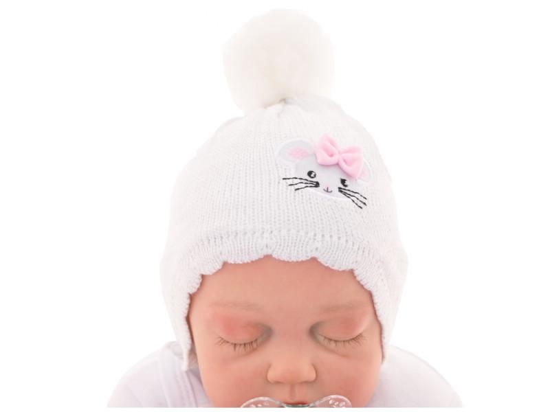 Biała czapka przejściowa z myszką czapeczka dla noworodka jesień/zima 56 62 CHRZEST